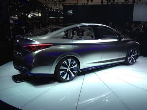 Infiniti LE Concept wireless charging
